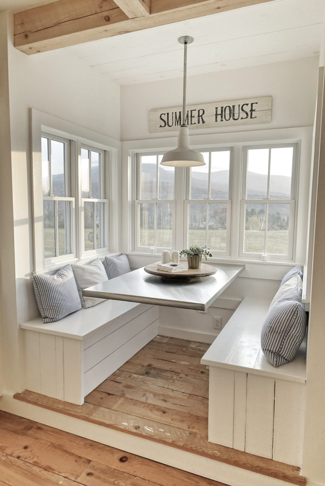A Brilliant Breakfast Nook Edb Designs